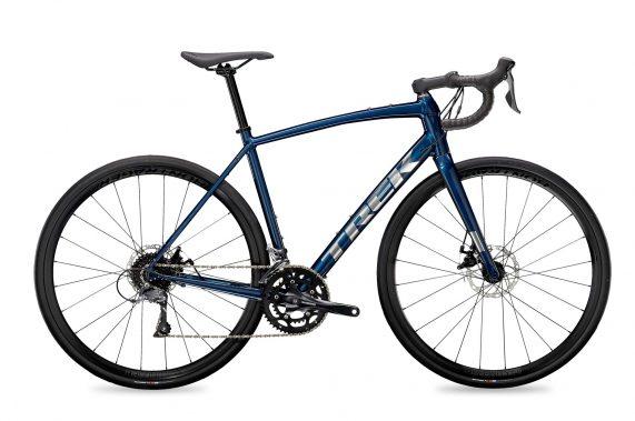Xe-dap-dua-duong-truong-Trek-Domane-AL-2-Disc-Road-Bike